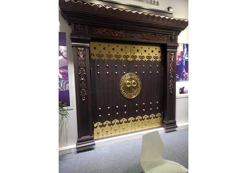 康虹路铜门安装案例