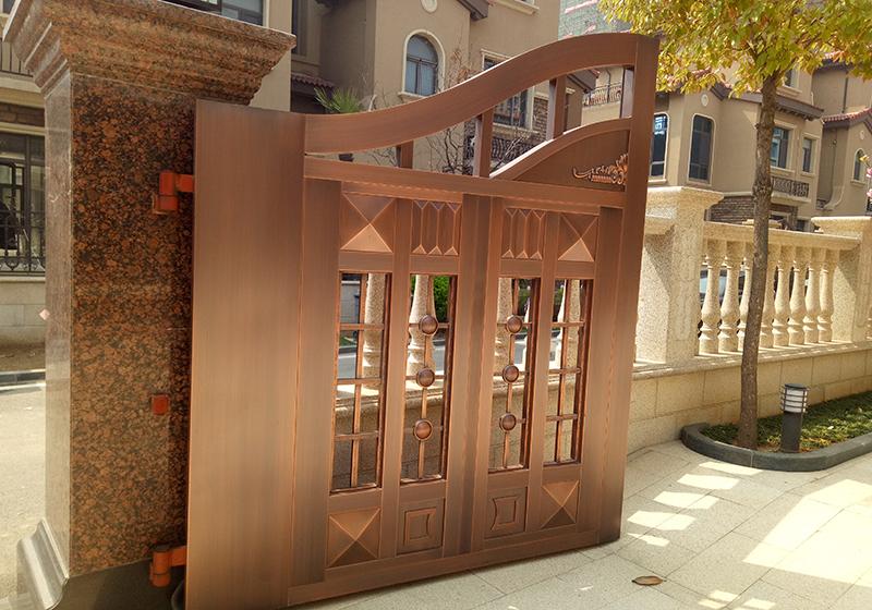 经六路铜门安装案例